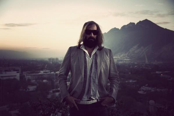 sebastien-tellier-L-3
