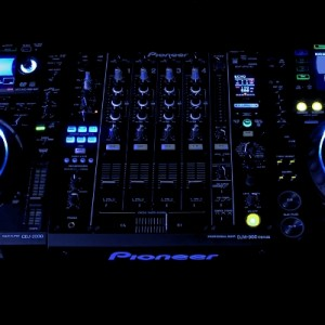 Pioneer-CDJ2000-DJM900-Hire